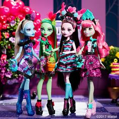 Beast friends, fangtastic looks and a thrilling ahead. Monster High Party, Monster High Dolls, Draculaura, Beast Friends, Girls Party, Mattel, Ever After High, Collector Dolls, Doll Accessories