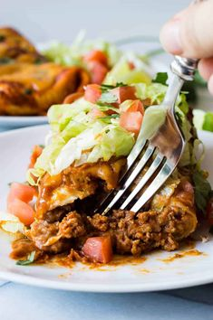 : These large burritos are bursting with ground beef simmered in a homemade taco seasoning, smooth and creamy refried beans, and lots of melty cheese! Then smothered in homemade chili gravy and even more cheese! Smothered Beef Burritos, Beef Enchiladas, Cheese Enchiladas, Mexican Dishes, Mexican Food Recipes, Dinner Recipes, Dinner Ideas, Appetizer Recipes, Mexican Meals