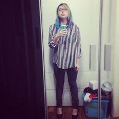 Striped Shirt • Camisa Listrada • Beetlejuice • black and white • rainbow hair • blue hair • green hair • purple hair • high heels • outfit • @ami_sama