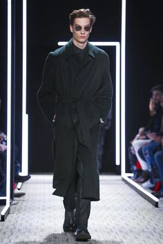 Cerruti Fashion Show Menswear Collection Fall Winter 2017 in Paris