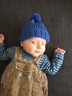 Newborn photo prop newborn hat newborn boy knit by woolpleasure