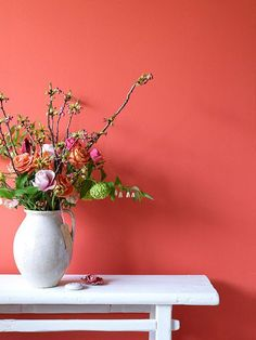 Pantone announced the trendiest color of 2019 and it's an explosion of emotions! The color of the year 2019 Living Coral is a dynamic mix of orange and pink