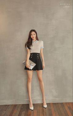 Asian Model Girl, Beautiful Women, Butterfly, Women's Fashion, Park, Woman, Dresses, Design, Style