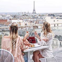 Imagen de paris, friends, and travel