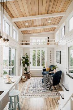 tiny-house-tay (4) Dream Home Design, Tiny House Design, Home Interior Design, Tiny Homes Interior, Dream House Interior, Small Home Design, Wood House Design, Beautiful Houses Interior, Interior Designing