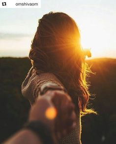 #Repost @omshivaom with @repostapp Sé el protagonista de tu propia vida... No se lo dejes a nadie más Las personas llegan a nuestras vidas y rápidamente nos damos cuenta de que esto pasa porque debe de ser así para servir un propósito para enseñar una lección para descubrir quienes somos en realidad para enseñarnos lo que deseamos alcanzar. Tú no sabes quiénes son estas personas pero cuando fijas tus ojos en ellas sabes y comprendes que afectarán tu vida de una manera profunda. Algunas?