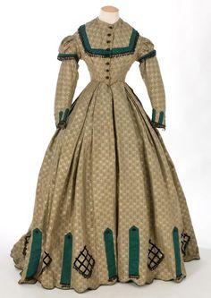 Day dress ca. 1860's  From theCentre de Documentació i Museu Tèxtil de Terrassa