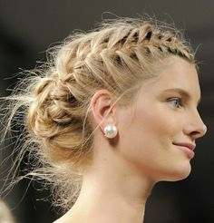Messy braided updo runway hairstyle Beauty Book, Hair Beauty, Diamond Earrings, Pearl Earrings, Prom 2016, Braided Updo, Prom Hair, Updos, Moschino