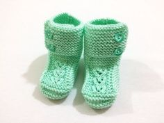How to Make a Baby Tie with the Connected Hearts Knitting Model? Crochet Baby, Knit Crochet, Baby Tie, Cutwork Embroidery, Knitted Booties, Viking Tattoo Design, Tartan Pattern, Knitting Videos, Baby Boots