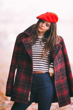 doina ciobanu jeans beret stripes rome outfit-2