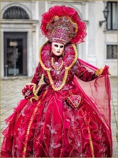 Ravishing in red ruffles at Carnaval of Venise 2016 Venetian Costumes, Venice Carnival Costumes, Mardi Gras Carnival, Venetian Carnival Masks, Carnival Of Venice, Masquerade Costumes, Masquerade Ball, Venitian Mask, Costume Venitien