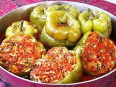 מתכון פלפלים ממולאים מהמטבח הפרסי, דולמה פלפל - פלפלים ממולאים בשר ואורז עם עשבי תיבול מהמטבח הפרסי המסורתי