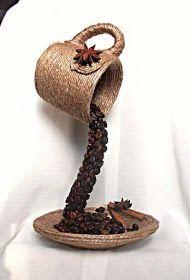 Atelie Cantinho DA ARTE: IDÉIAS FEITAS COM CAFÉ Diy Crafts Hacks, Diy Home Crafts, Diy Arts And Crafts, Craft Stick Crafts, Crafts To Sell, Bottle Art, Bottle Crafts, Diy Para A Casa, Coffee Bean Art