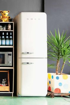 retro-white-smeg-fridge