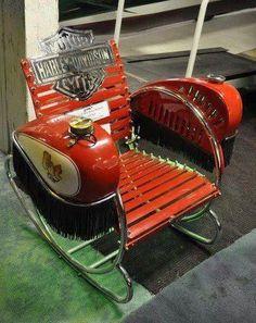Harley Davidson Chair hdlongbranch.com #harleydavidson  @harleydavidson #eye4dogs