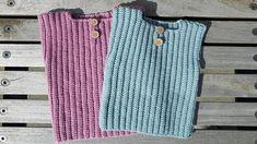 Gratis opskrift på hæklet babyvest, som er super praktisk til de små. Den er hæklet i Drops Baby merino, som er et dejligt blødt garn, der tåler maskinvask. Newborn Crochet, Crochet Baby, Knit Crochet, Baby Vest, Baby Knitting, Kids Outfits, Crochet Patterns, Mens Tops, Clothes
