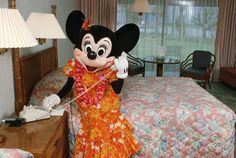 Vintage Walt Disney World: Minnie Visits Disney's Polynesian Resort
