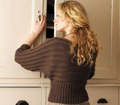 _original, seyant et passe-partout, ce pull à manches chauve-souris et encolure bateau est tricoté en pure laine bio. Les explications de ce tricot, une création signée Rowan, sont gratuites e...