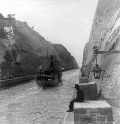 The ship canal, Corinth - N. form near its southern end - showing bridge in distance - Vintage Pictures, Old Pictures, Old Photos, Corinth Canal, Greece History, Greece Pictures, Still Picture, Athens Greece, Library Of Congress