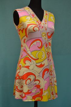 Vintage 1960s Susan Small, shift dress with bold psychedelic printed design.  vintagegreenclothing