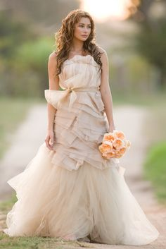 Vera Wang Spring '10 Gowns in the New Pacific Weddings » Love Notes Wedding Blog