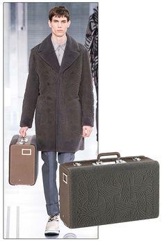La malette en fourrure rasée de Louis Vuitton