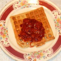 ALL-BRAN WAFFLES SUPREME w/homemade jam Pork Chop Recipes, Jam Recipes, Cookbook Recipes, Fresh Fruit Desserts, No Bake Desserts, All Bran Muffins, Rhubarb Freezer Jam, Hot Dog Toppings, Strawberry Topping