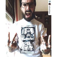#alternativemodel #inked #handtattoo #beardlove #fuckyou #menwithbeards #beardsofinstagram #beardedgodskings #beardstagram #famousinkedmodels #beardsandtatts #beardman #modelbyphotographer #modelosbarcelona #bravenbearded #envybeards #fantasy #handsome #youbeard #edwartiger #tumblr #cartomancy #carro #quoteoftheday