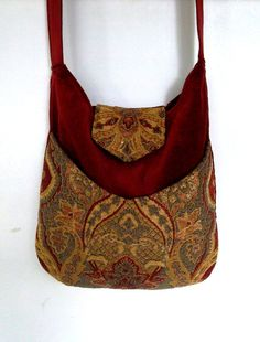 Tapestry Gypsy Bag Messenger Bag Bohemian Brick by piperscrossing Hippie Bags, Boho Bags, Gypsy Bag, Fashion Accessories, Fashion Jewelry, Bag Patterns To Sew, Patchwork Bags, Linen Bag, Fabric Bags