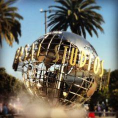 Universal Studios Hollywood  Forlystelses park.  Man skal komme tidligt for at kørerne ikke er for lange.