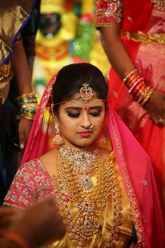 #Aishinduri bride in heavy jewellery and gold kanchipuram saree