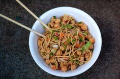 Sesame noodles with chickpeas