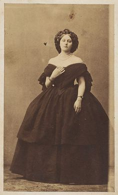 Les beau décolleté by Pierre-Louis Pierson  (French, 1822–1913)