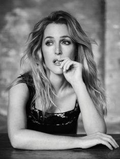 GILLIAN ANDERSON IN LONDON, NOVEMBER 2015. DRESS: DOLCE & GABBANA Photography Matt Holyoak Stylist Charlotte Blazeby #fotografie #photography #portrait