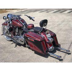 "Credit to @ballincustomz ===================== Follow & Tag ""HD Tourers and Baggers"" on Instagram Facebook Twitter & across the Web. ===================== #hdtourersandbaggers ===================== #instamotogallery #instamoto #motorcycles #harleydavidson #roadkingclassic #roadking #roadglide #streetglide #softail #showoffmyharley #harleysofinstagram #harleylife #bikelife #bikersofinstagra #bikestagram #motorcyclelife #harleyriders #customharley #throttlezone #harleydavidsonnation…"