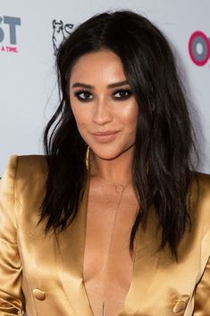 These Major Celebs Have All Been Sharing Wigs — & We Never Noticed #refinery29  http://www.refinery29.com/2017/01/136037/kim-kardashian-shay-mitchell-wigs-stylist#slide-8  And — you guessed it — the Pretty Little Liar goes for the same look. Again, she differentiates hers with a shot of texturizing spray. But you can't fool us, Shay......