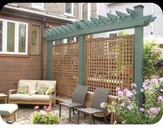 Patio Privacy Screen, Diy Privacy Fence, Diy Fence, Privacy Trees, Yard Fencing, Garden Privacy, Petite Pergola, Small Pergola, Pergola Cover