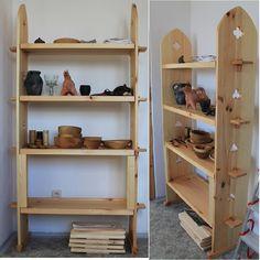 medieval dish shelf