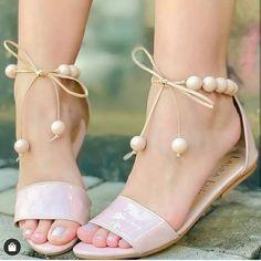 Coral Sandals, Pretty Sandals, Simple Sandals, Stylish Sandals, Summer Sandals, Strappy Sandals, Flat Sandals, Fashion Sandals, Fashion Boots