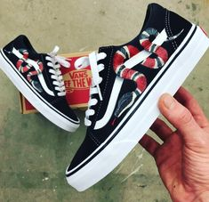 1e2fca373f64 Gucci Vans Old Skool - Custom Painted Gucci Snake Shoes