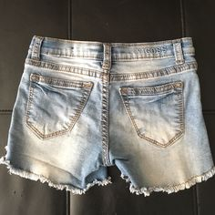 ADORABLE!!! ❤️KIDS - VIGOSS Jean Shorts Size 6X. ADORABLE!!!  ❤️❤️❤️ KIDS - VIGOSS Cut off Jean Shorts Size 6X. Vigoss Shorts Jean Shorts