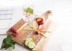 Strahlend rosa – so präsentiert sich der Rosato Frizzante! Aus Bio-Trauben erzeugt, ergibt er mit Vodka und Minze erfrischende Sommerdrinks.