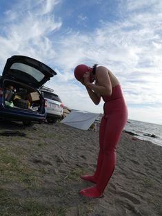 Red Hunter Boots, Diving, Wetsuit, Women's Fashion, Suits, Vintage, The Beach, Scuba Wetsuit