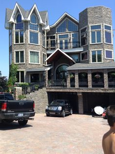 Huge house from mackinaw city!! WANT!!