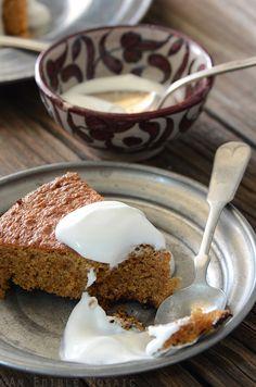 Lemon-Vanilla Almond Cake Recipe {Paleo}
