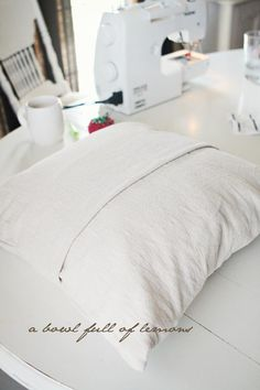 holy cow this is easy : how to sew a pillow cover with a fold for pillow-form insert!