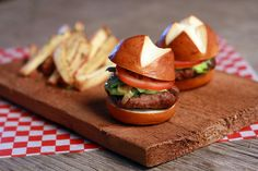Toronto Caterer - en Ville Event Design & Catering. GTA Caterer for weddings & corporate catering.