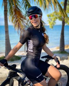 Female Cyclist, Cycling Girls, Bicycle Girl, Bike Life, Road Bike, Triathlon, Beauty Women, Wetsuit, Sporty