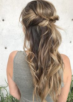 47 Gorgeous Prom Hairstyles for Long Hair Prom Hair Medium, Medium Hair Styles, Short Hair Styles, Prom Hair Updo Elegant, Simple Prom Hair, Prom Updo, Easy Updo Hairstyles, Prom Hairstyles For Long Hair, Teenage Hairstyles
