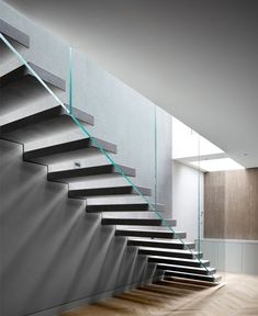 Emergent Design Studio Add Modernistic Solutions of Glass and Metal at Lightwell House
